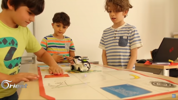 "Robotic programming for kids ""innovators club"""
